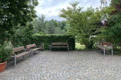 Platz vor der Friedhofskapelle